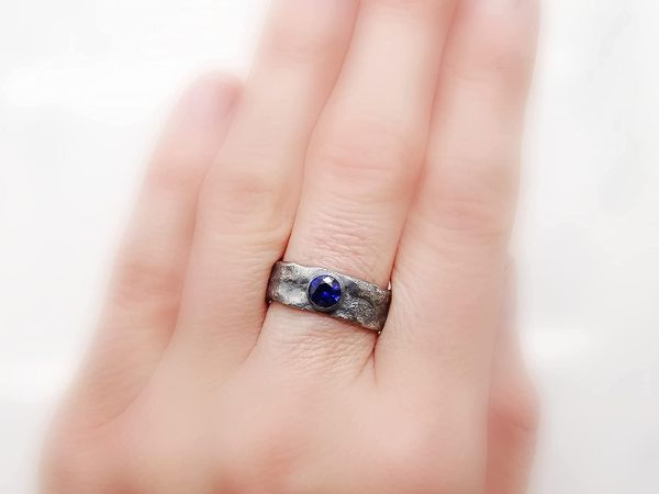 molten silver ring sapphire mens ring2