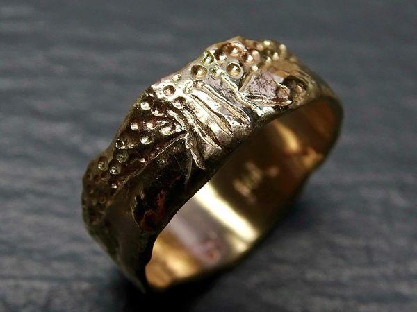 viking wedding band gold engagement ring molten gold3
